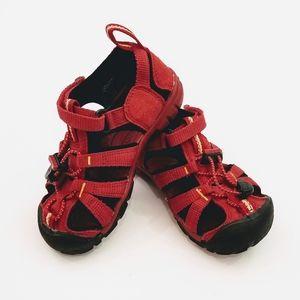 Keen Red & Black Waterproof Washable Sandals EUC
